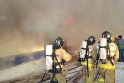 Двое работников погибли при пожаре в мебельном цехе Альметьевска