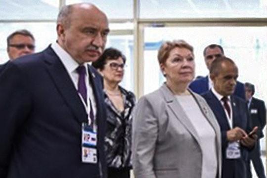 «Нужно оставить эффективные вузы – не более шести»: отберет ли Васильева миллиарды у КФУ?