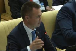 «Неудачно поставил бутылку с водой»: отсутствовавший Жорес Алферов «проголосовал» за пенсионную реформу
