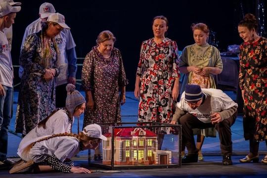 Фарид Бикчантаев рассказал о жизни татарской деревни в спектакле «Живы ли вы?!.»