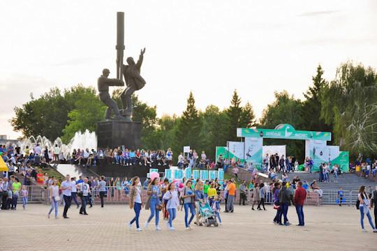 Сады Семирамиды, ДДТ и 100 лет ВЛКСМ