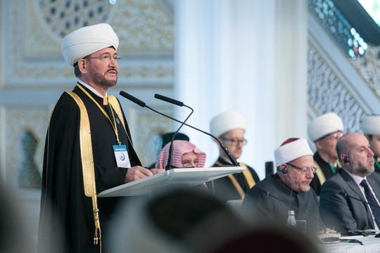 Три юбилея под крышей Соборной мечети: на съезд ДУМ России в Москве собрались 150 делегатов