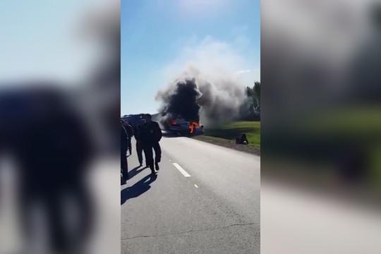 В Балтасинском районе Татарстана «Волга» сгорела после ДТП