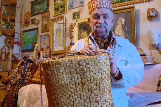 «Берестяное царство» пенсионера из Васильево