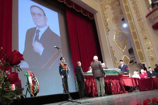 «Вся жизнь – песня!»: в Казани прощаются с Ильгамом Шакировым