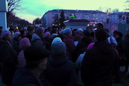 Сотни жителей Дербышек вышли на протест против строительства магистрали