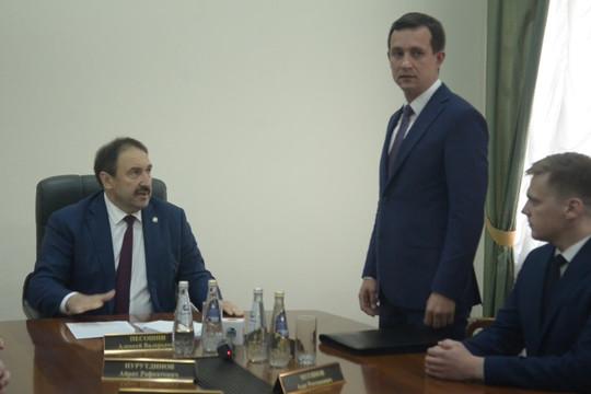 Песошин представил Хайруллина коллективу минсвязи