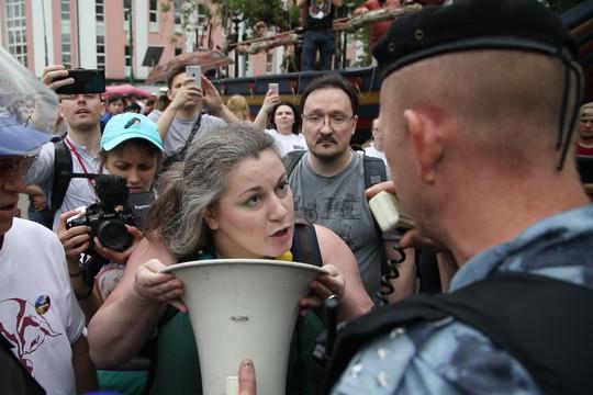 На акции в поддержку Голунова в Москве задержаны сотни человек