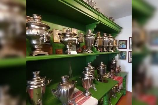 Рустам Минниханов посетил музей чаепития в Болгаре