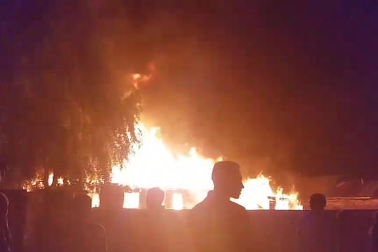 Конфликт в Чемодановке: в цыганском поселке сгорел дом барона