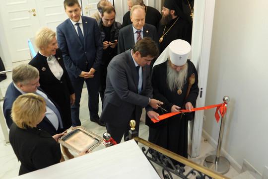 Митрополит Феофан открыл музей казанской иконы Валерия Сорокина