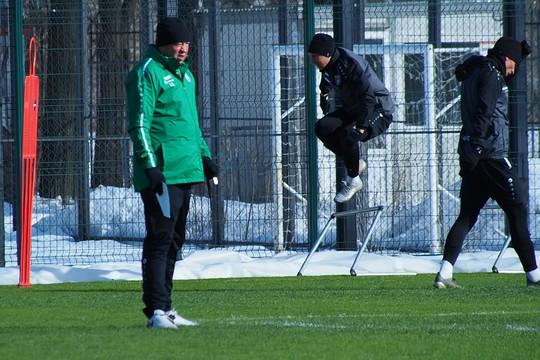 Леонид Слуцкий: «Зуев – это основной левый защитник «Рубина»