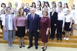 Дети встретили Путина песней «Как хорошо, что ты кому-то нужен»