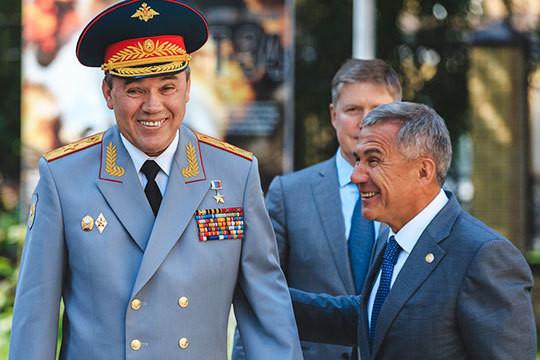 Начальник генштаба ВС РФ на юбилее своего выпуска в Суворовском училище