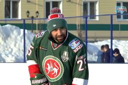 Данис Зарипов провел мастер-класс для юных хоккеистов Аксубаевского района