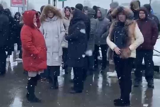1,2 тыс. человек эвакуировали из ТЦ «Мега» в Казани из-за замыкания в детской игровой зоне