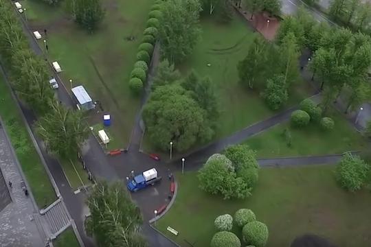 В Екатеринбурге убрали забор в сквере на месте строительства храма