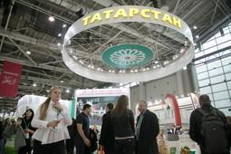 На «Золотой осени» представили ставропольскую клубничку для Медведева и кетчуп с колой от РТ