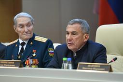 Минниханов поручил чиновникам отнестись к ветеранам «по-человечески» и «без формализма»