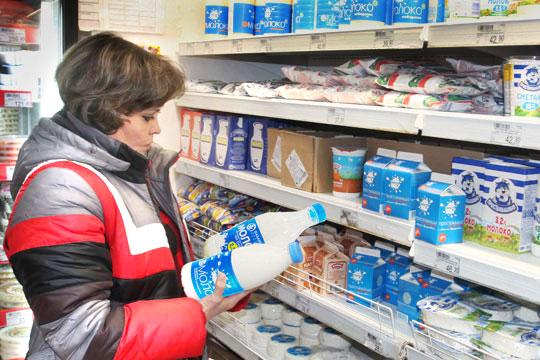 Кто первый брызнул молоком: как Фардиев ссорится с ижевцами из-за креатива Муратова