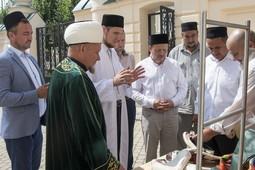 В Апанаевской мечети открылся музей Валиуллы Якупова, где тот почти 17 лет прослужил имамом