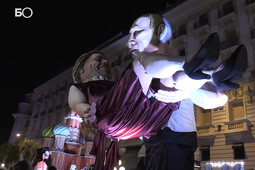 Путин поднял на руки Меркель: в Ницце прошел карнавал гигантских кукол