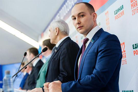 «Яневидел, чтобы кто-то жировал»: Эдуард Шарафиев раскритиковал лидера своей партии