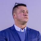 Актер Павел Прилучный исполнил песню на параде в Казани