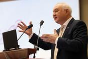 Ильдар Гильмутдинов: «Где мужик вшколе?! Нет его– мывсе ушли вдепутаты или министры!»
