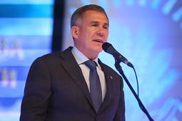 Рустам Минниханов поздравил сельхозработников Татарстана