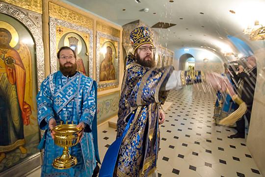 В воссоздаваемом соборе Казанской иконы Божией Матери освящен пещерный храм