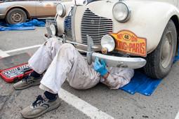 Как иностранцы устроили питстоп для своих ретроавтомобилей возле «Корстона»