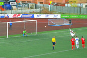 Футболист из Казани забивает пенальти с сальто