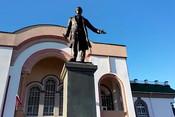 Минниханов и Хабиров открыли в Уфе памятник Тукаю