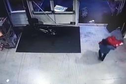 Камеры видеонаблюдения зафиксировали кражу драгоценностей из здания ВЦ «Казанская ярмарка»