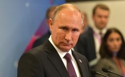 Путин оценил решение не приглашать Костина и Дерипаску на форум в Давосе
