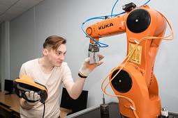 Востребованные профессии – 2019: от создателя роботов до учителя XXI века