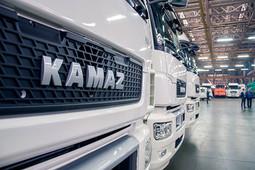 Патриотам тут не место: как тягач Volvo «порвал» флагман КАМАЗа