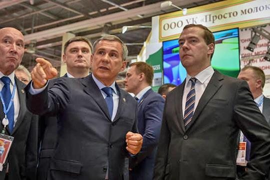 «На фиг нам такие принципы?»: Медведев узнал-таки от Минниханова про молочный кризис