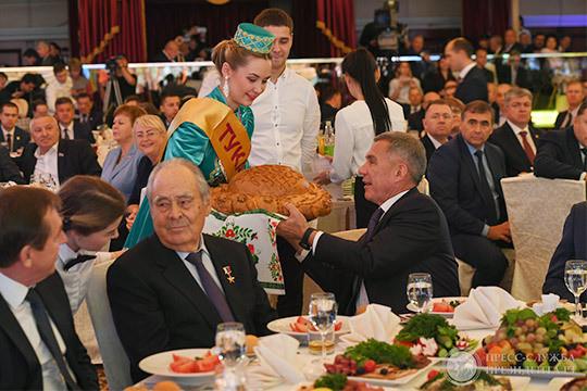 Праздник урожая: как провожали Ахметова и знакомились с его сменщиком — Маратом Зяббаровым