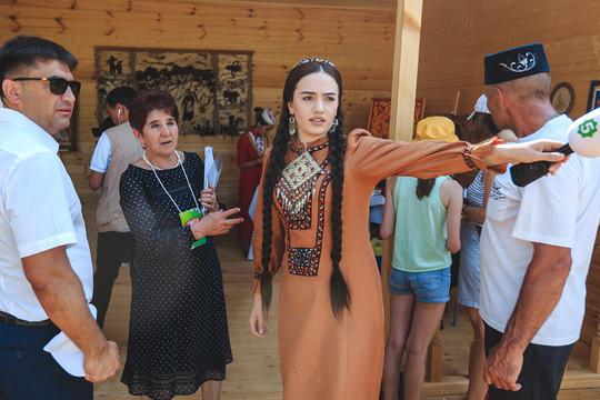 Сабантуй в Мирном: туркменские гости, живая рыба, новые имиджи Фазлеевой и Аюповой