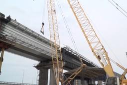 Строители Крымского моста собрали все железнодорожные пролеты
