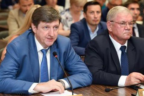 Денис Калинкин: «Работу по взысканию не ослаблять. Бюджет расписан до копейки!»