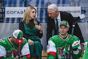 Зарипов надел тюбетейку, а помощница Билла была в зеленом: первый день Матча звезд КХЛ