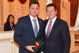 На сессии Казгордумы 8 депутатов сложили свои полномочия