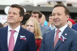 День России в Казани: Минниханов – на экране, Халиков и Метшин – на сцене