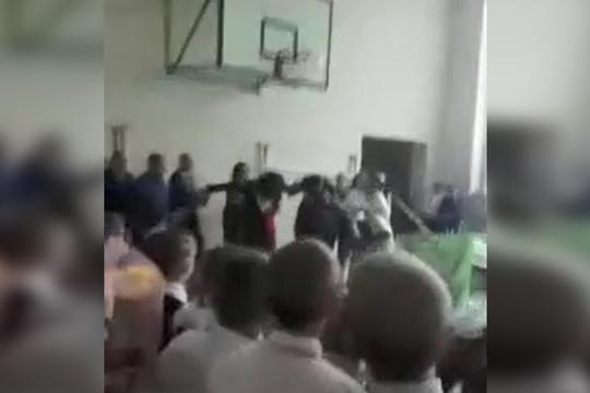 В Марий Эл школьник напал на депутата на последнем звонке