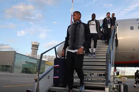 Поездка сборной Франции из Москвы в Казань