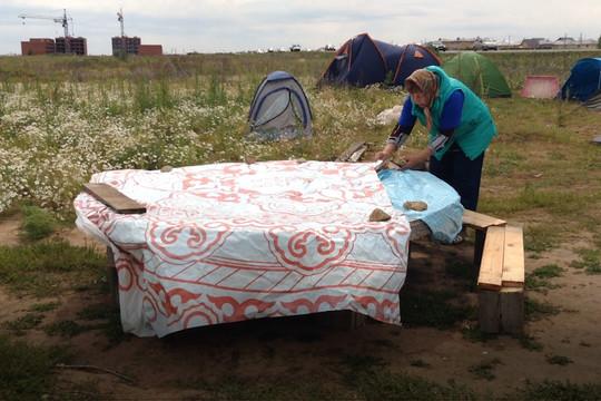 Обманутые дольщики ЖК «Яшьлек» разбили палаточный лагерь под Казанью