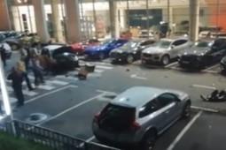 В Москве два человека погибли при таране четырех автомобилей Jaguar
